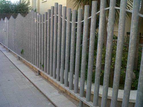 Vinuesa vallas cercados valla con verja residencial - Vallas y cerramientos ...