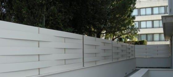 Valla ocultación residencial compacto fenólico trenzado blanco