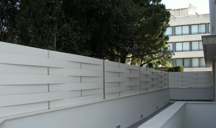 Vinuesa vallas cercados 4 claves de vallas de ocultaci n - Vallas exteriores para casas ...