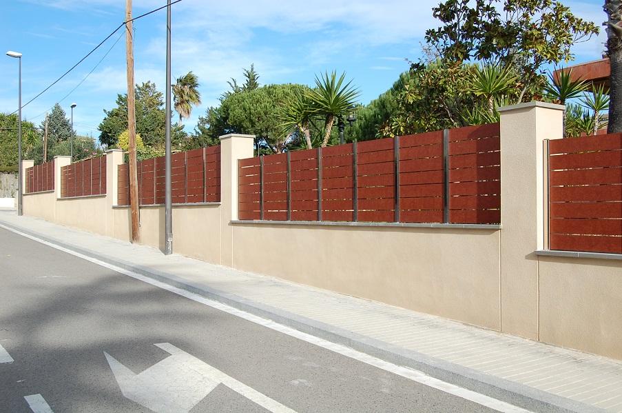 Vinuesa vallas cercados valla ocultaci n compacto for Cerramientos de jardines fotos