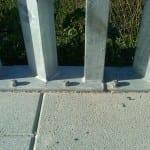 Montaje valla empalizada con anclajes