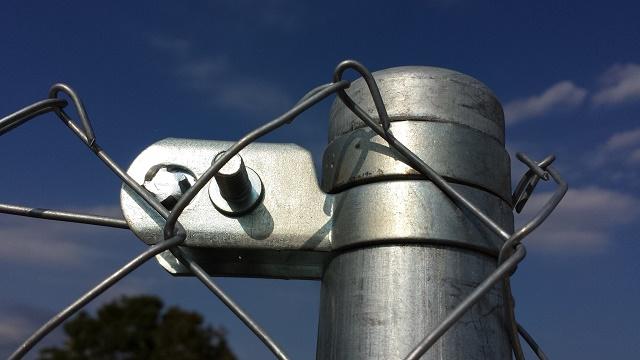 Poste de cercado galvanizado con accesorios