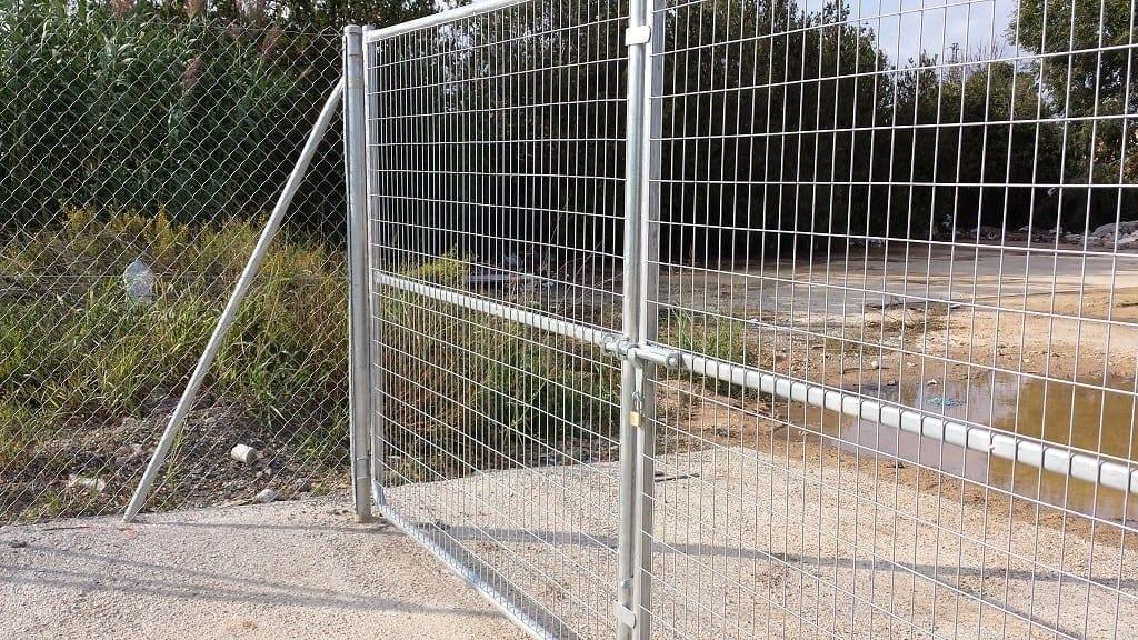 Puerta metálica malla electrosoldada galvanizada