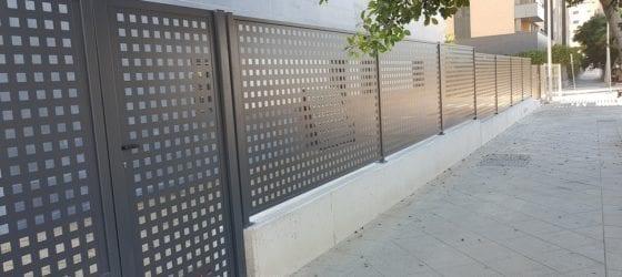 Verja residencial chapa perforada