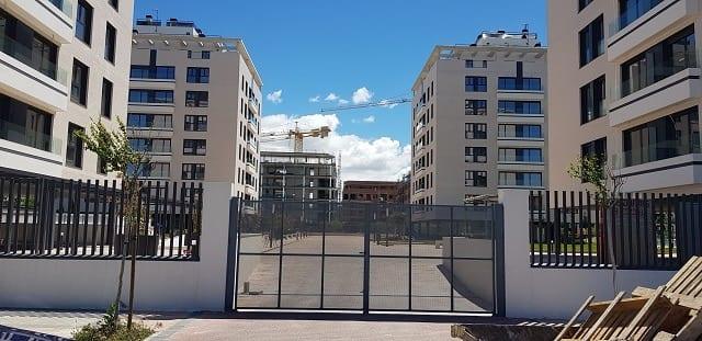 Puertas metálicas y control accesos