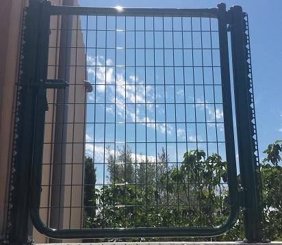 Puerta metálica ligera de 1 hoja para vallas